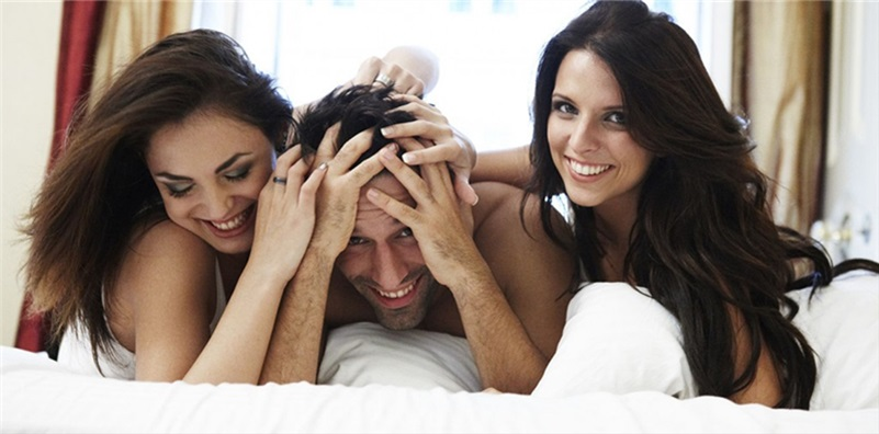 Convenience of online threesome dating